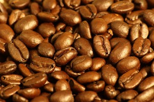 800px-Dark_roasted_espresso_blend_coffee_beans_1